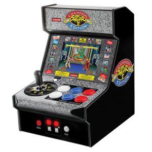 bionik DGUNL-3283 Street Fighter II Champion Edition Micro Player